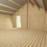 Blockscheune mit rissiger Wand 14 m2