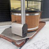100% domestic Rekipalju hot tub on legs in a complete package!